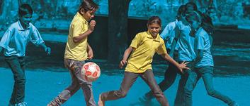 75 TL bağışınla çocukların hayata ve birbirlerine bağlanmasını sağlayacak bir futbol topu sağlayabilirsin.